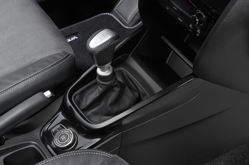 Centre Gear Shift AWD Surround - Black